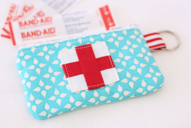 Emergency Zippered Pouch Tutorial - A Spoonful of Sugar