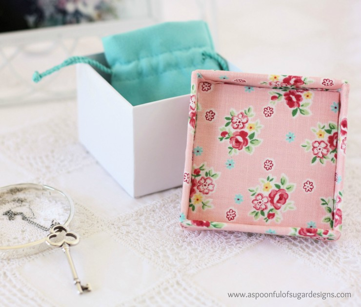 Fabric Covered Box    4