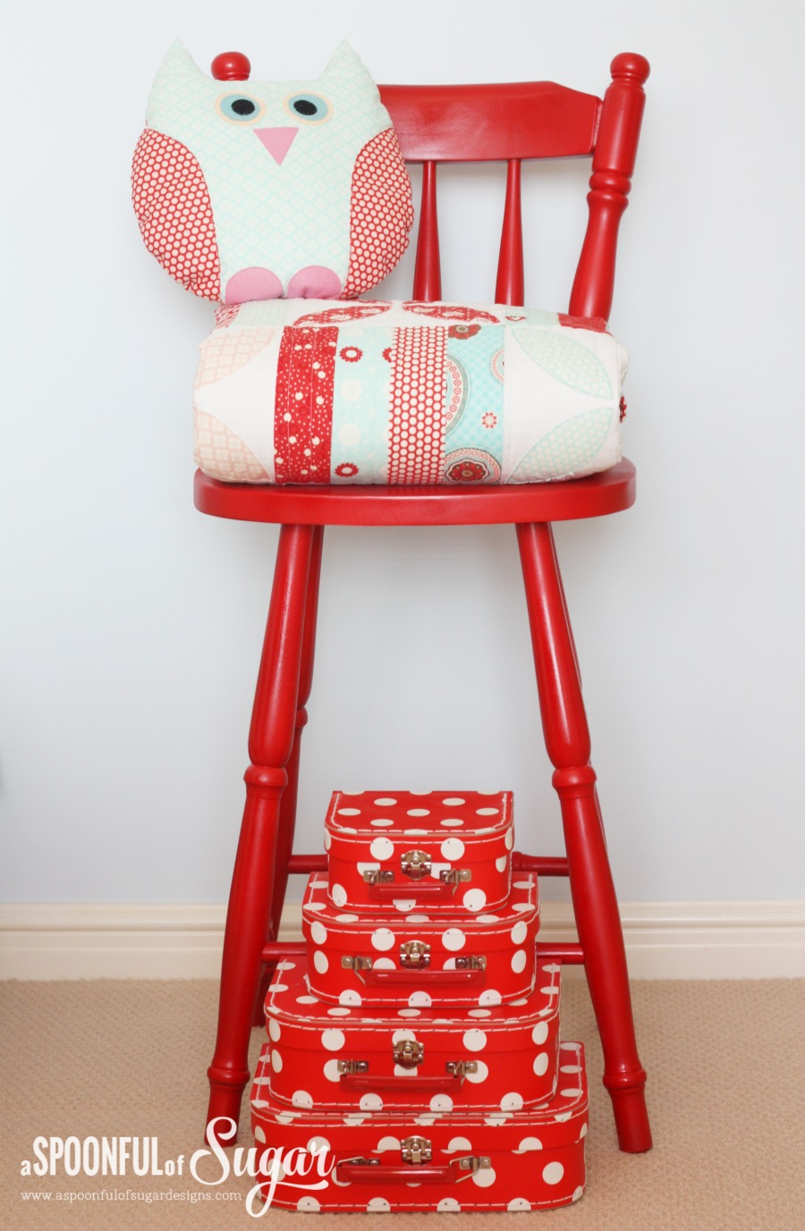 DIY Paint a wooden chair