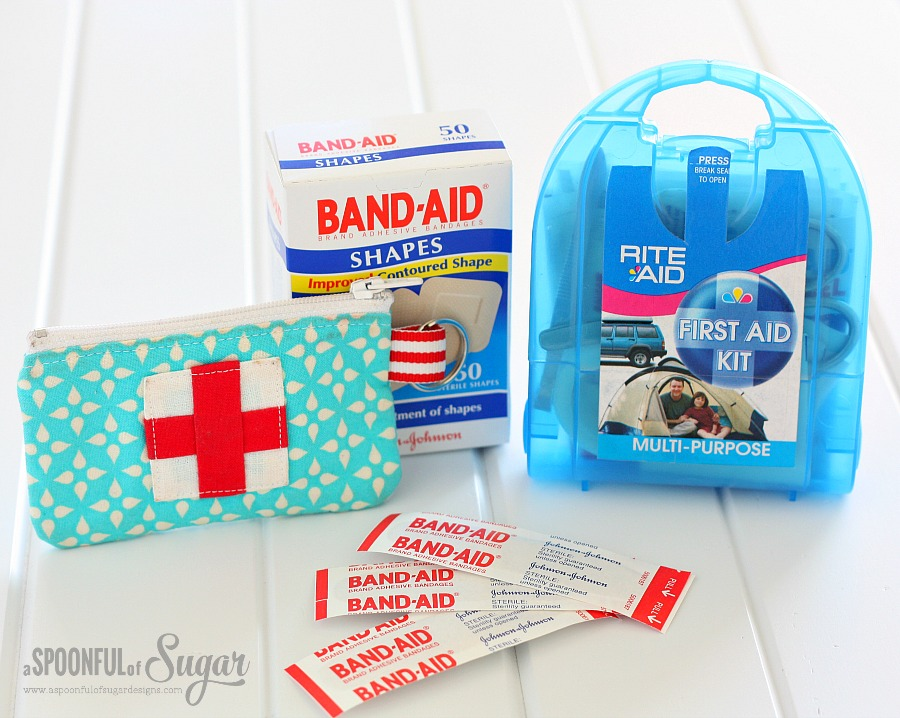 Take a first aid kit on your vacation