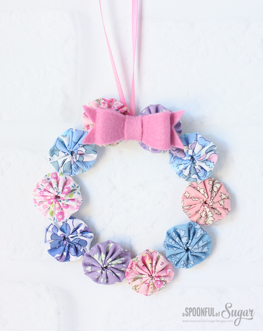 Mini Yoyo Wreath made from Liberty fabric by A Spoonful of Sugar