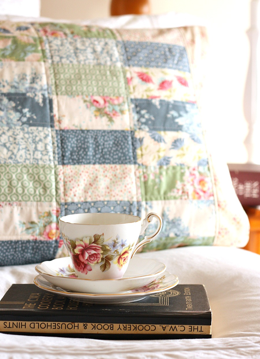 Pretty Patchwork Pillow Sham -  Sewing Pattern by A Spoonful of Sugar