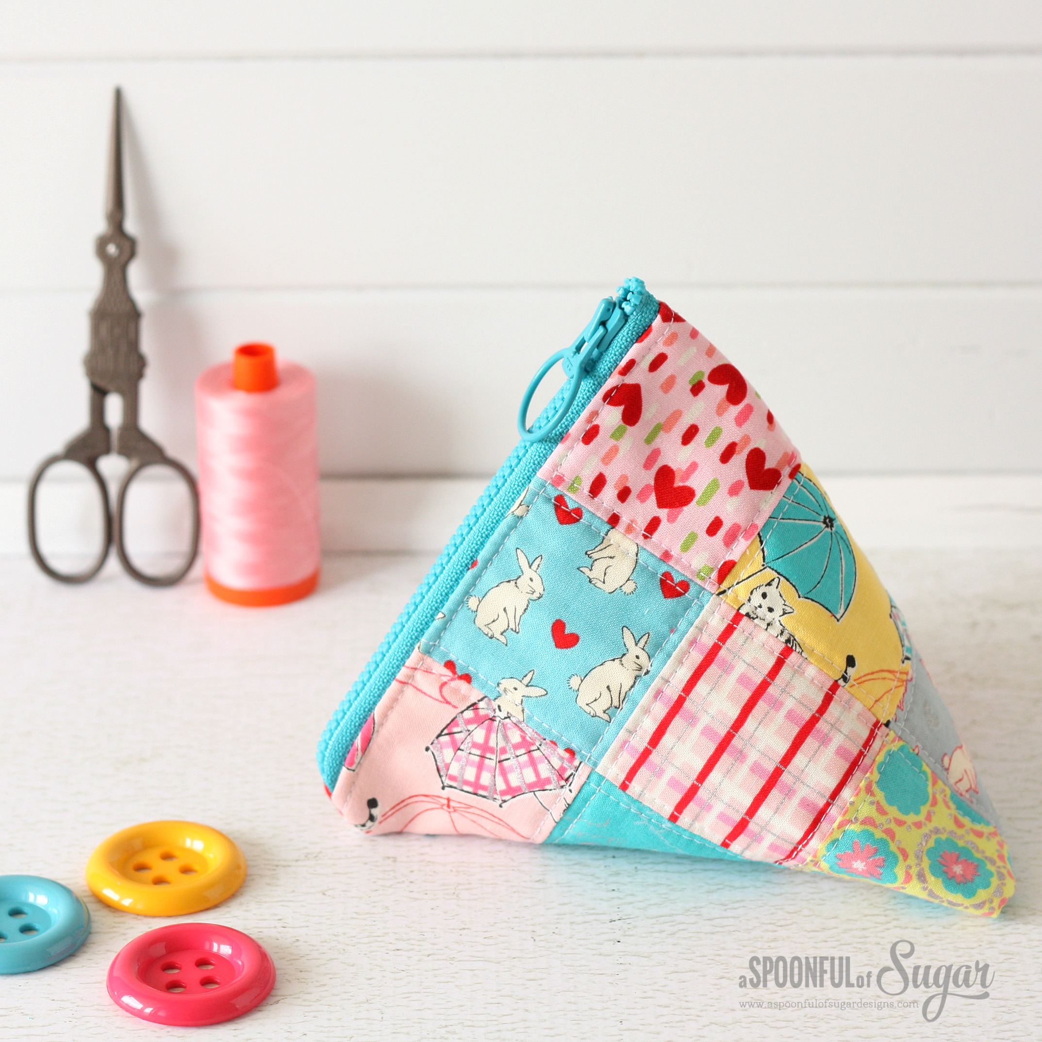 Patchwork Triangle Pouch - Top Sewing Tutorials from 2016 - A Spoonful of Sugar - www.aspoonfulofsugardesigns.com