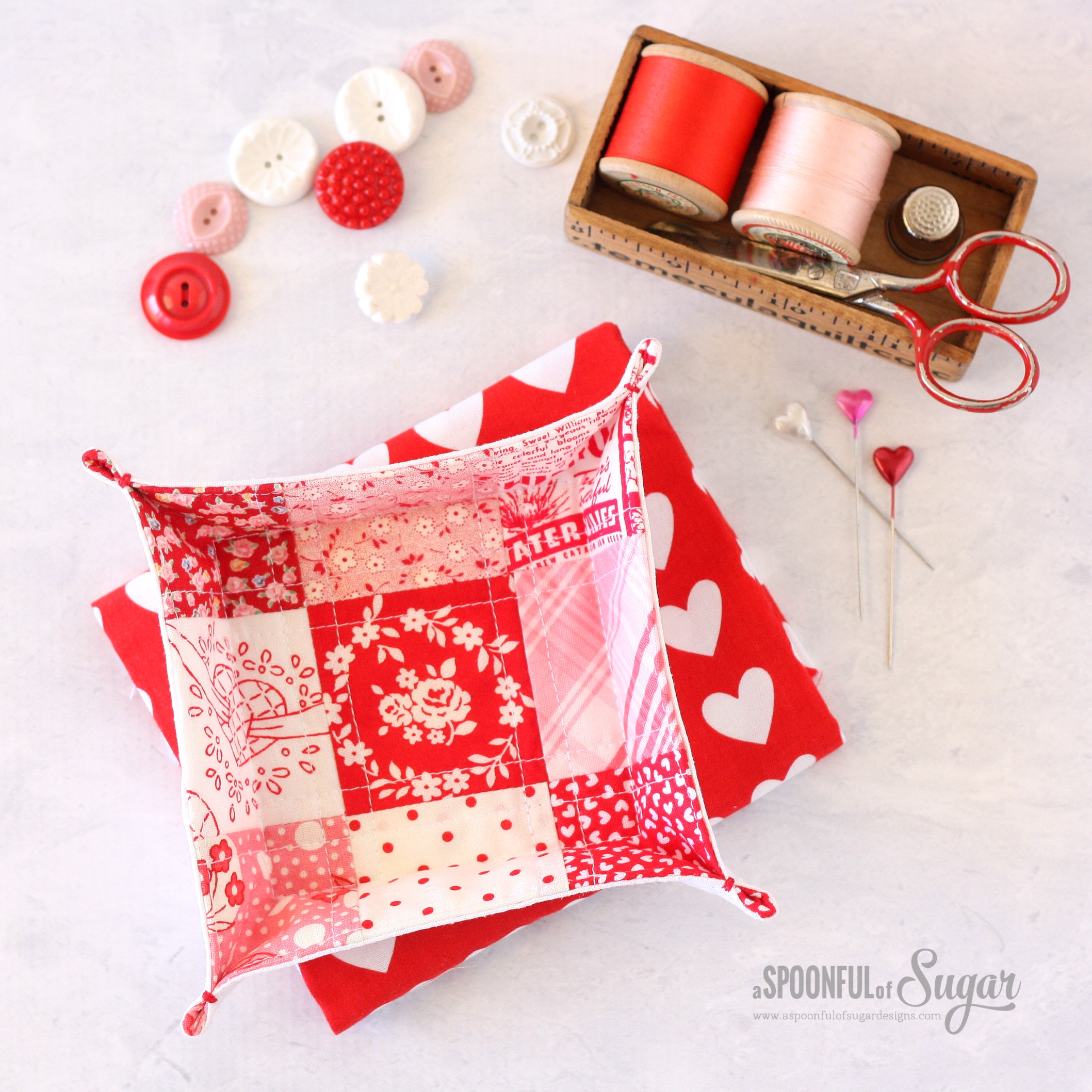 Patchwork Fabric Tray - Top Sewing Tutorials from 2016 - A Spoonful of Sugar - www.aspoonfulofsugardesigns.com