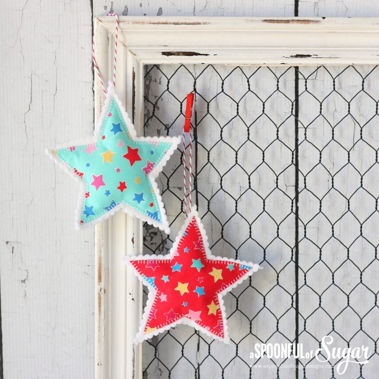 Simple Christmas Star Ornaments - free tutorial from A Spoonful of Sugar