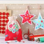 Christmas Retro Drawstring Bags