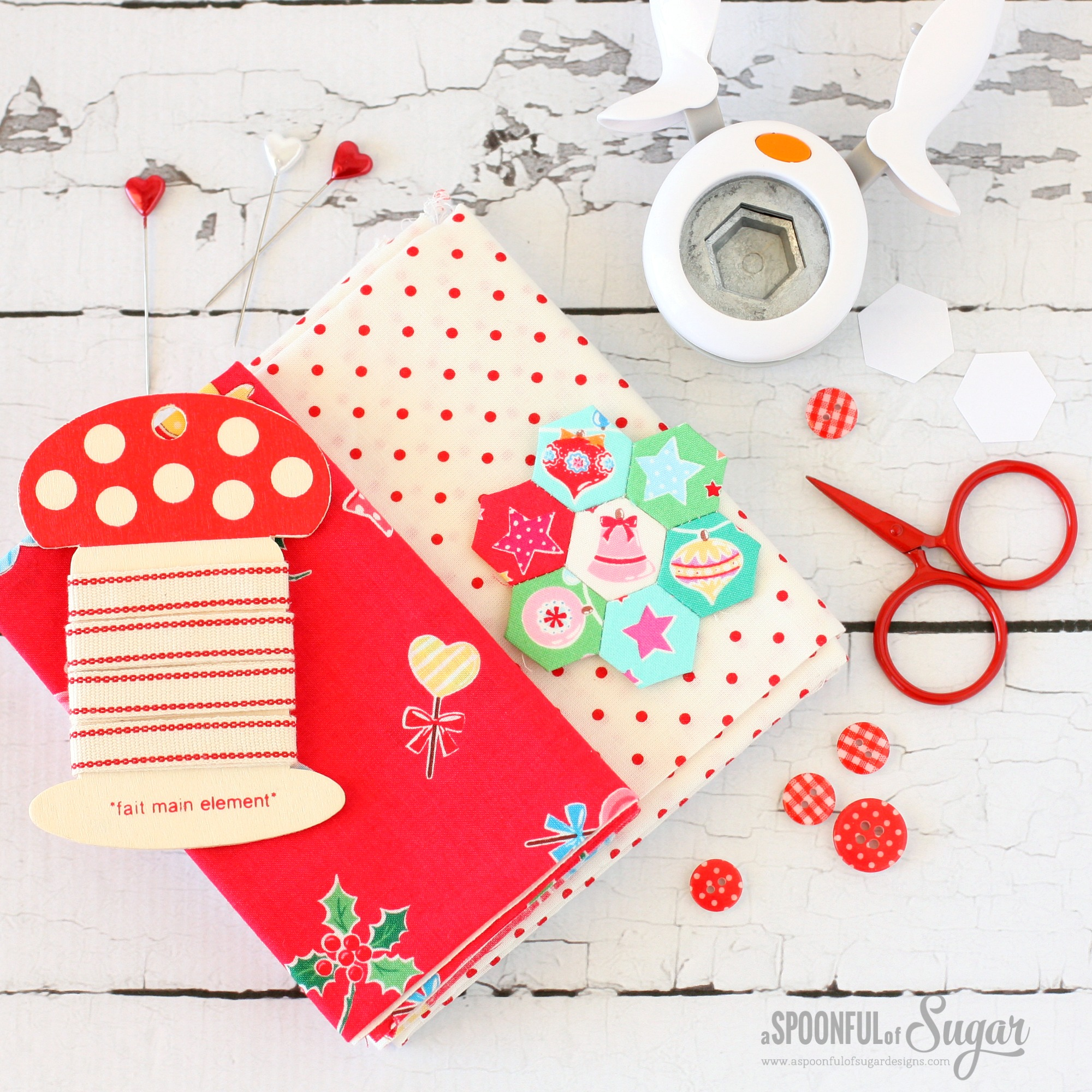 Christmas Retro Drawstring Bags - sewing tutorial by A Spoonful of Sugar