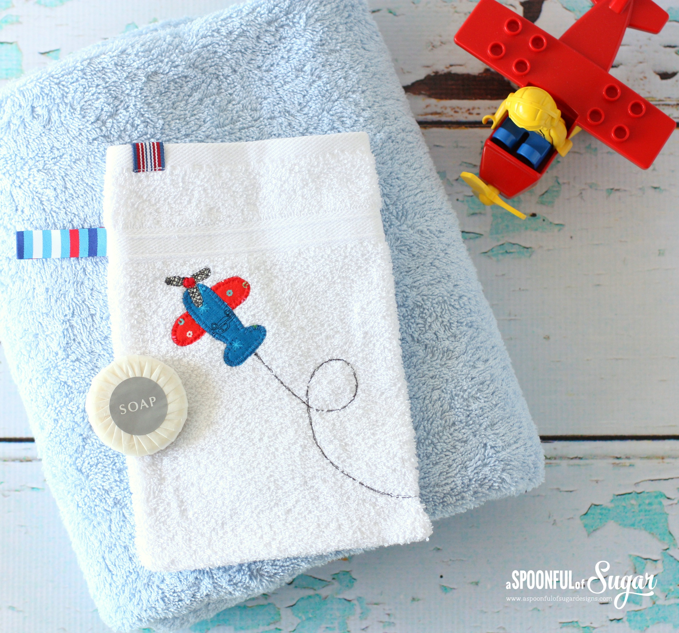 Make a baby bath mitt using our easy sewing tutorial www.aspoonfulofsugardesigns.com