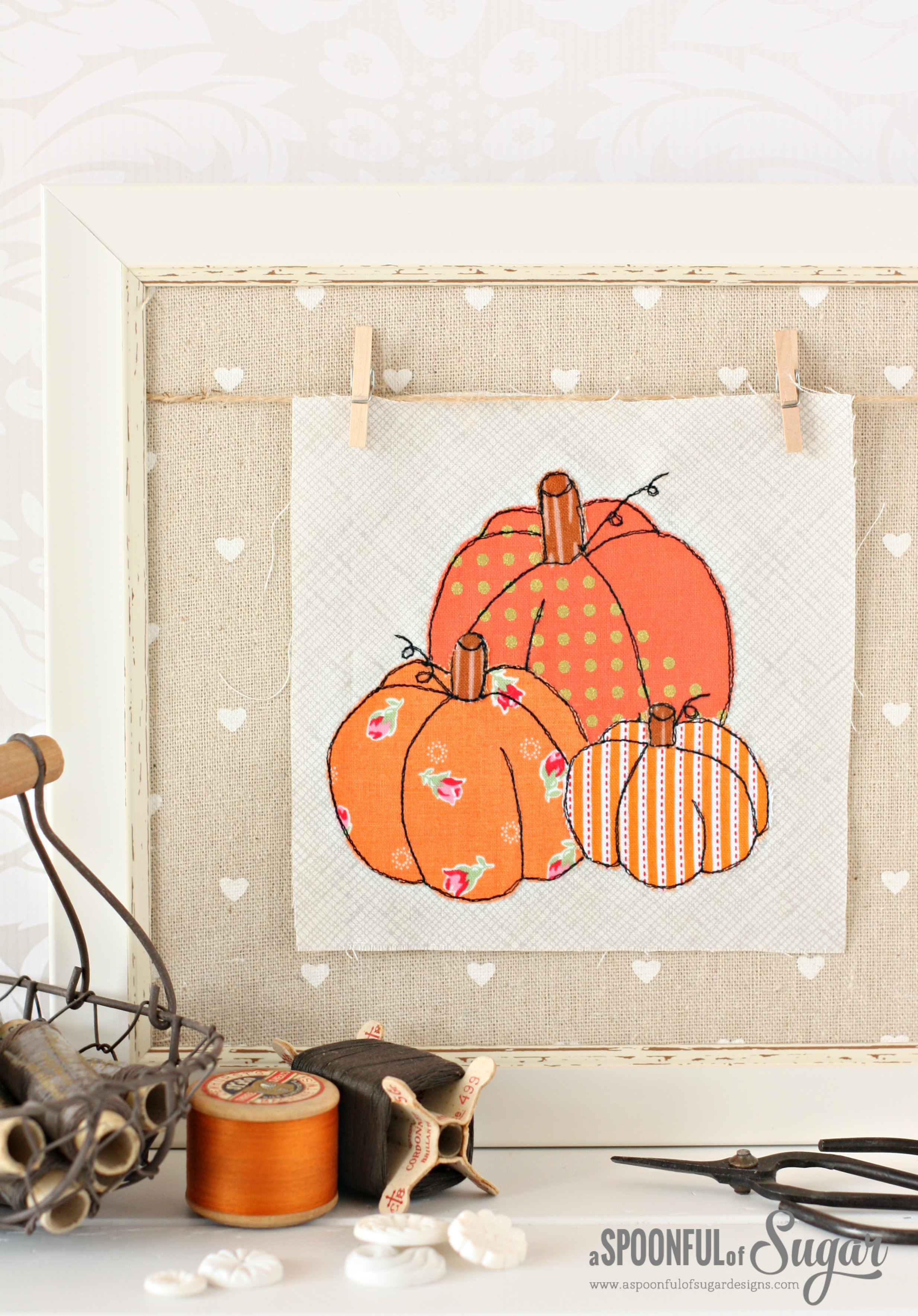 Pumpkin Patch Halloween Applique is a free project from A Spoonful of Sugar www.aspoonfulofsugardesigns.com