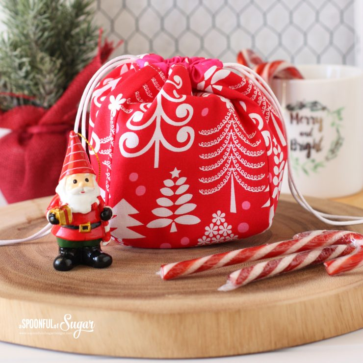 Christmas Drawstring Bag - pattern available from aspoonfullofsugar on Etsy.