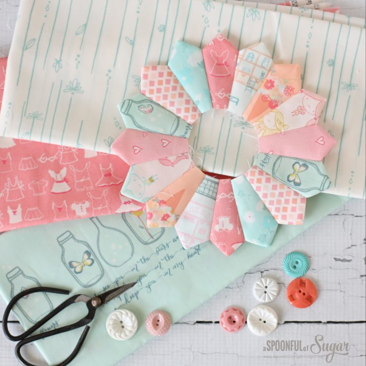 Dresden Placemat pdf Sewing Pattern by A Spoonful of Sugar. Available in Etsy store.